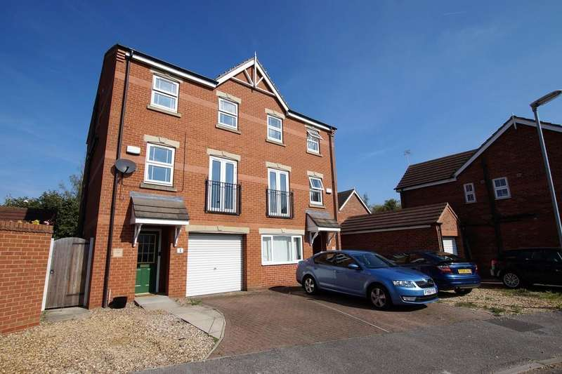 3 Bedrooms Semi Detached House for sale in Stukeley Close, Lincoln