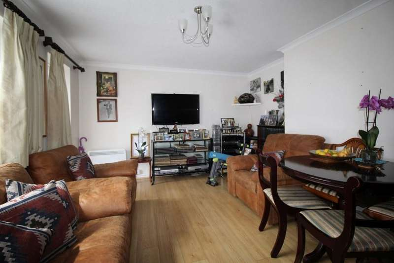 3 Bedrooms Ground Flat for sale in Bettswood Court