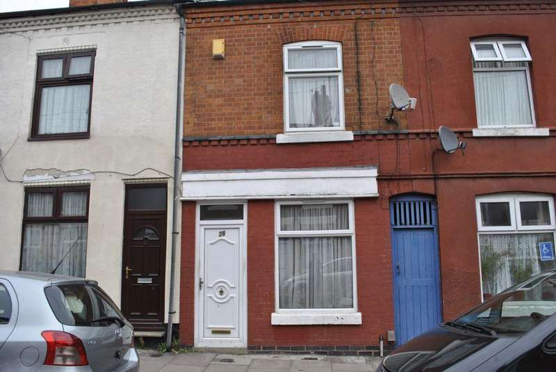 3 Bedrooms Terraced House for sale in Cecil Road, Leicester, LE2