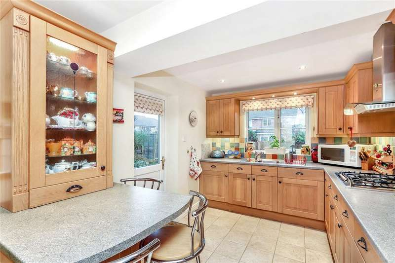 4 Bedrooms House for sale in Peacock Walk, Abbots Langley, Hertfordshire, WD5