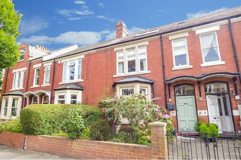 5 Bedrooms Property for sale in Queens Road, Monkseaton, Whitley Bay, Tyne and Wear, NE26 3BH