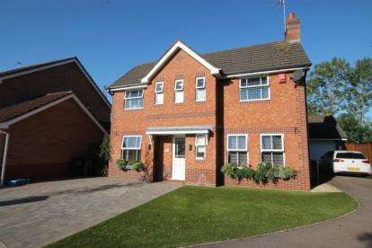 3 Bedrooms Detached House for sale in Pear Tree Hey, Yate, Bristol, South Gloucestershire