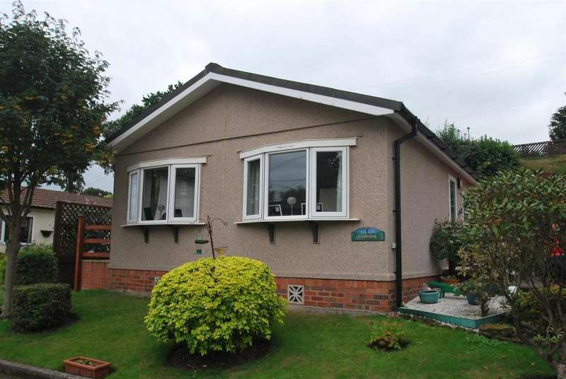 2 Bedrooms Park Home Mobile Home for sale in Eddisbury Hill, Delamere, Northwich