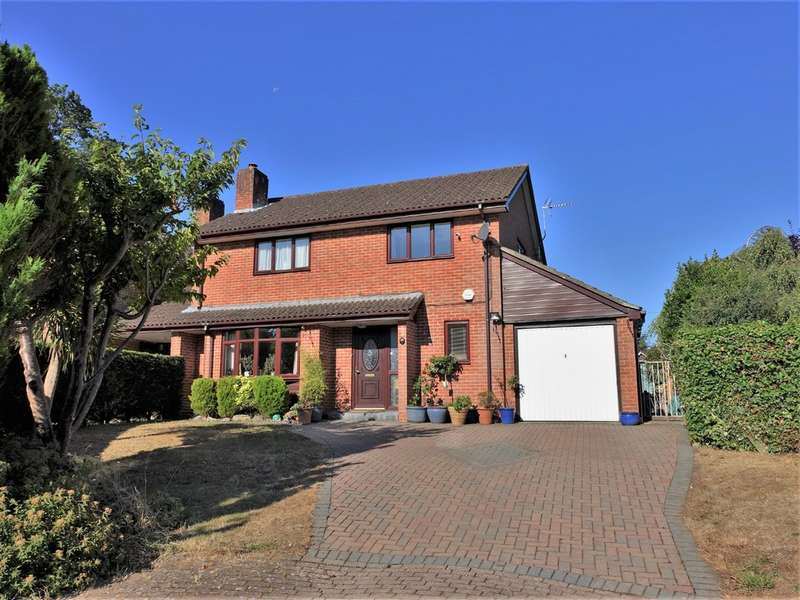 4 Bedrooms Detached House for sale in Nelson Court, Hythe