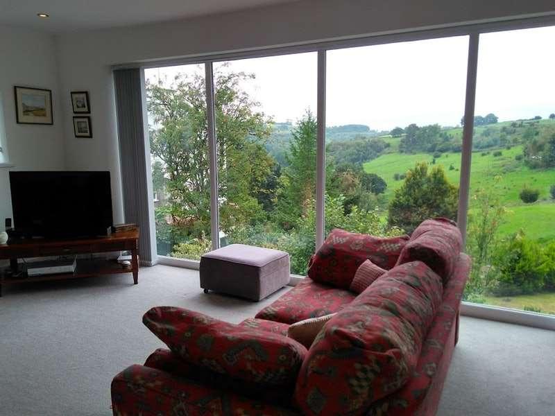 4 Bedrooms Detached House for sale in Castell Morlais, Merthyr Tydfil, Merthyr Tydfil, CF48
