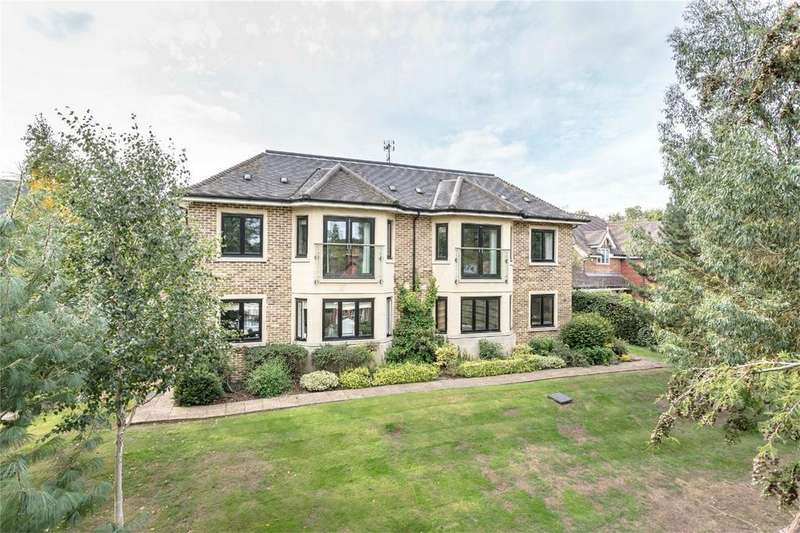 2 Bedrooms Flat for sale in The Charter, Maze Green Road, BISHOP'S STORTFORD, Hertfordshire