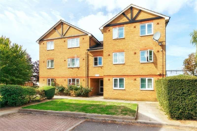 1 Bedroom Flat for sale in Maplin Park, Langley, Berkshire