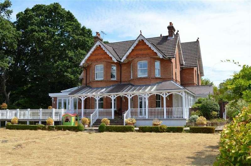 6 Bedrooms Detached House for sale in Greenhill Close, Wimborne, Dorset