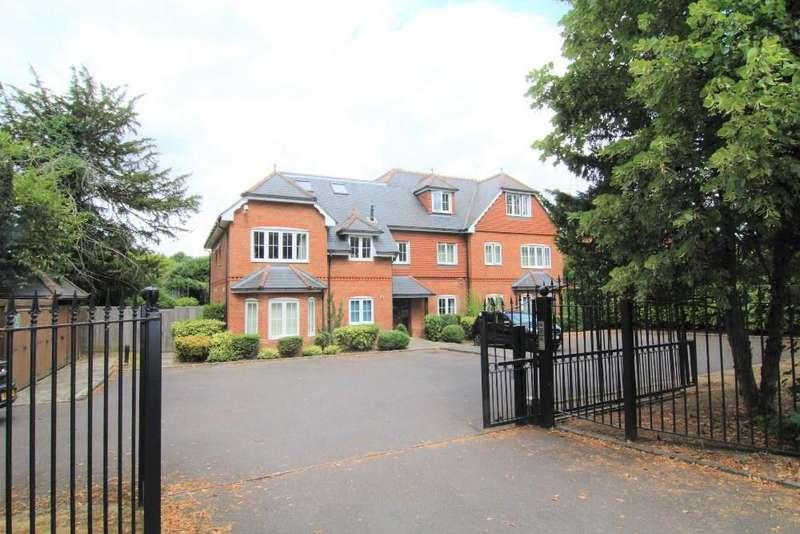 2 Bedrooms Penthouse Flat for sale in Finchampstead Road, Wokingham, Berkshire, RG41 2PF