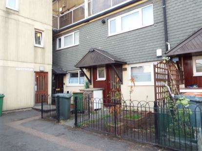 3 Bedrooms Maisonette Flat for sale in Stratford, London