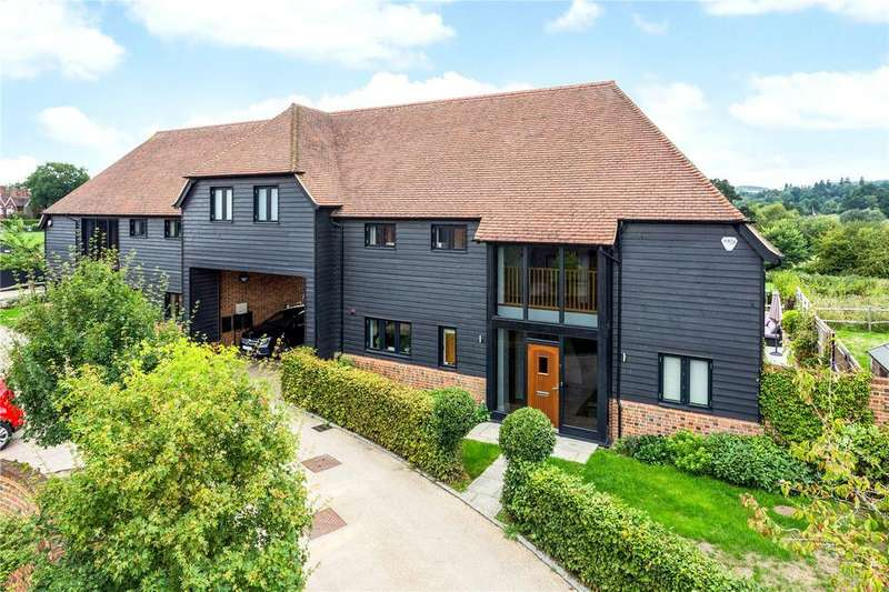 4 Bedrooms Semi Detached House for sale in Home Farm Place, Merstham, Redhill, RH1