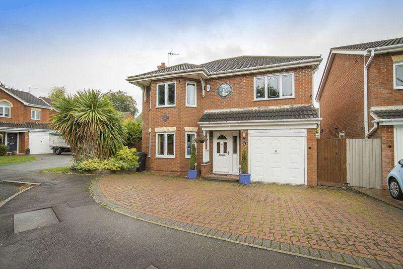 4 Bedrooms Detached House for sale in KINGFISHER CLOSE MICKLEOVER