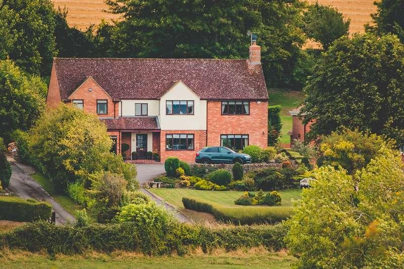 5 Bedrooms Detached House for sale in Ham Road, Liddington, Wiltshire