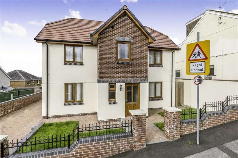 4 Bedrooms Detached House for sale in School Road, Pwll, Pwll