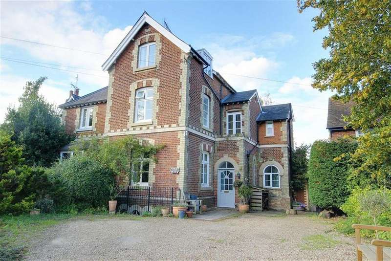4 Bedrooms Semi Detached House for sale in West End Lane, Essendon, Hertfordshire