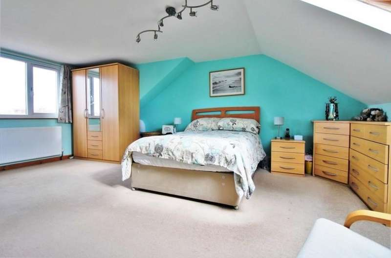 4 Bedrooms End Of Terrace House for sale in Beresford Road, North End