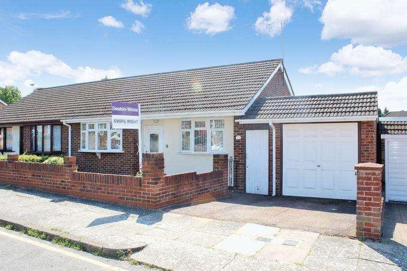 3 Bedrooms Semi Detached Bungalow for sale in Matlock Crescent, Luton