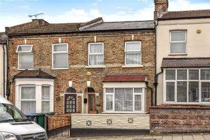 3 Bedrooms Terraced House for sale in Oak Grove Road, London