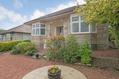 3 Bedrooms Bungalow for sale in Pilmuir Avenue, Glasgow