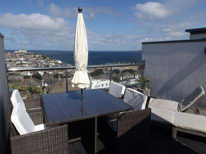 4 Bedrooms Terraced House for sale in Mount Wise, Newquay, Cornwall