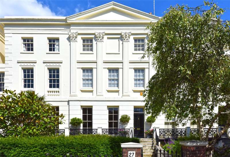 4 Bedrooms Terraced House for sale in Montpelier Crescent, Brighton, East Sussex, BN1