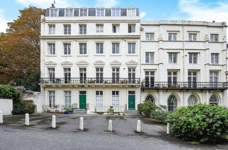 2 Bedrooms Flat for sale in Sillwood Place, Brighton, East Sussex, BN1