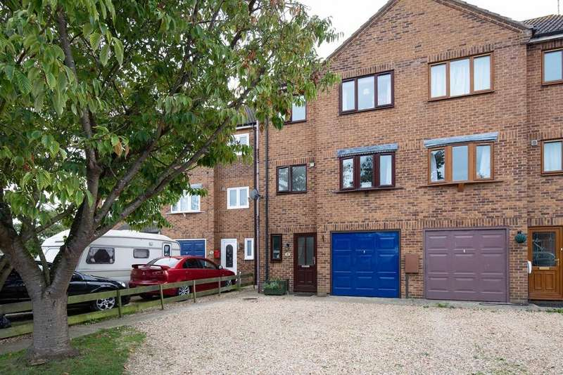 4 Bedrooms Town House for sale in The Hollies, Holbeach, PE12