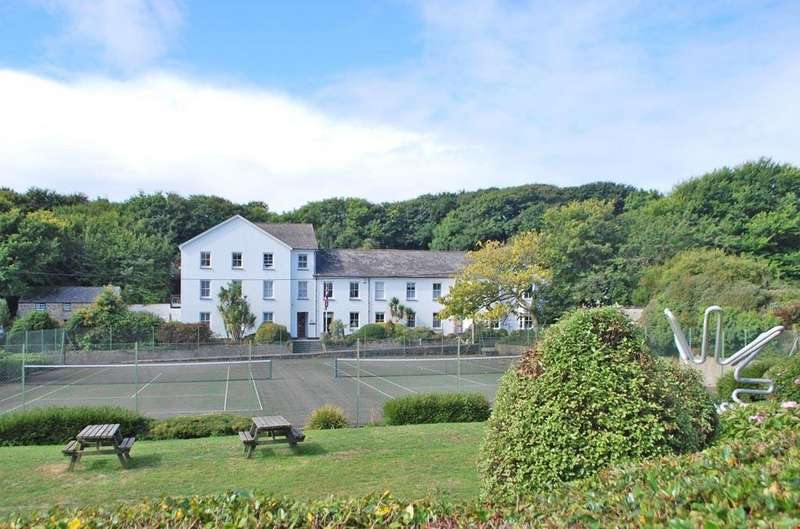 2 Bedrooms Apartment Flat for sale in Porthcurno,Penzance, Cornwall, TR19