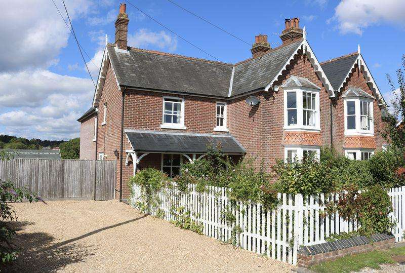 4 Bedrooms House for sale in Station Road, Soberton