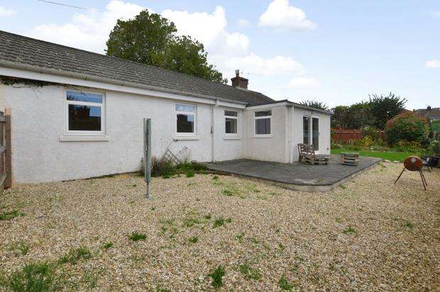 3 Bedrooms Semi Detached Bungalow for sale in Woodford Close, Plymouth, Devon