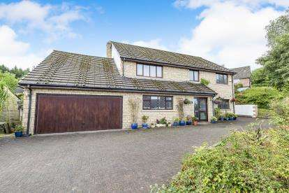 5 Bedrooms Detached House for sale in Lower Timber Hill Lane, Burnley, Lancashire