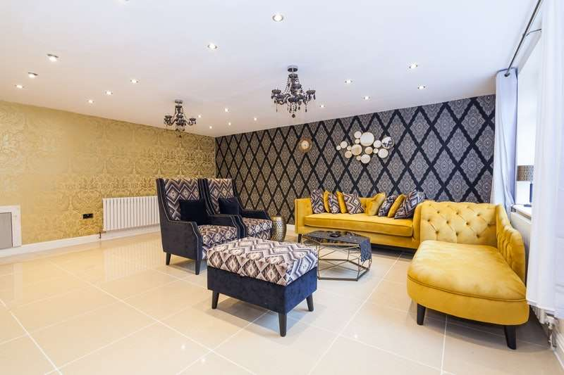 6 Bedrooms Semi Detached House for sale in Mount Road, Manchester, Greater Manchester, M19