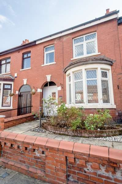 3 Bedrooms Terraced House for sale in Westmorland Avenue, Blackpool, Lancashire, FY1