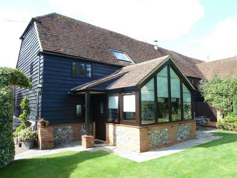 3 Bedrooms Barn Conversion Character Property for sale in Old Barn Close, Emmer Green, Reading