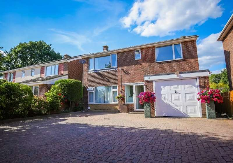 4 Bedrooms Detached House for sale in Cutlers Lane, Stubbington