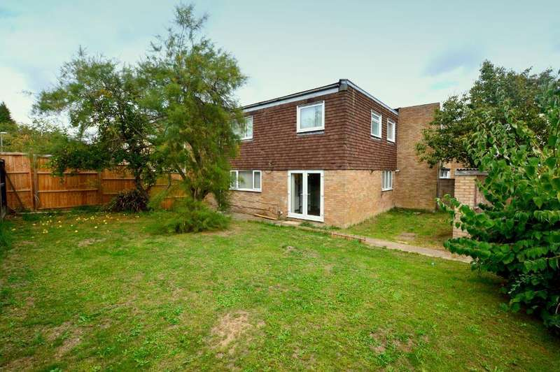 4 Bedrooms Terraced House for sale in Copenhagen Close, Luton, Bedfordshire, LU3 3TE