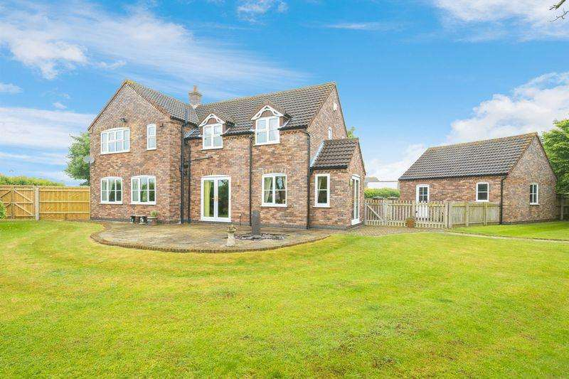 4 Bedrooms Detached House for sale in Just off Boston Road, Horncastle