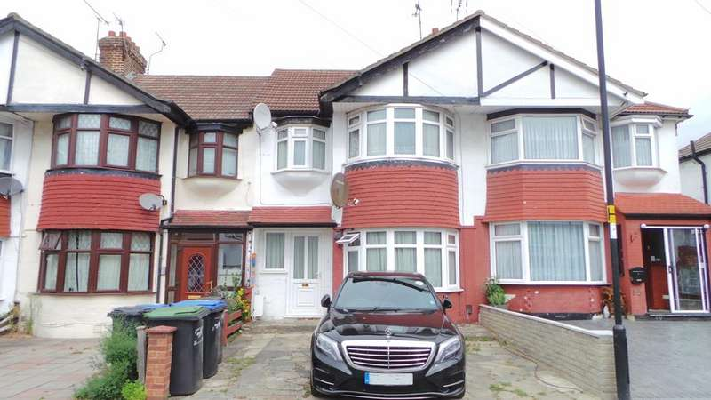 3 Bedrooms Terraced House for sale in Banstead Gardens, Edmonton, London, N9