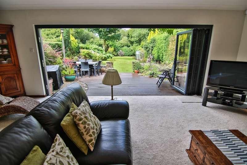 5 Bedrooms Detached Bungalow for sale in Roseland Road, Waunarlwydd, Swansea