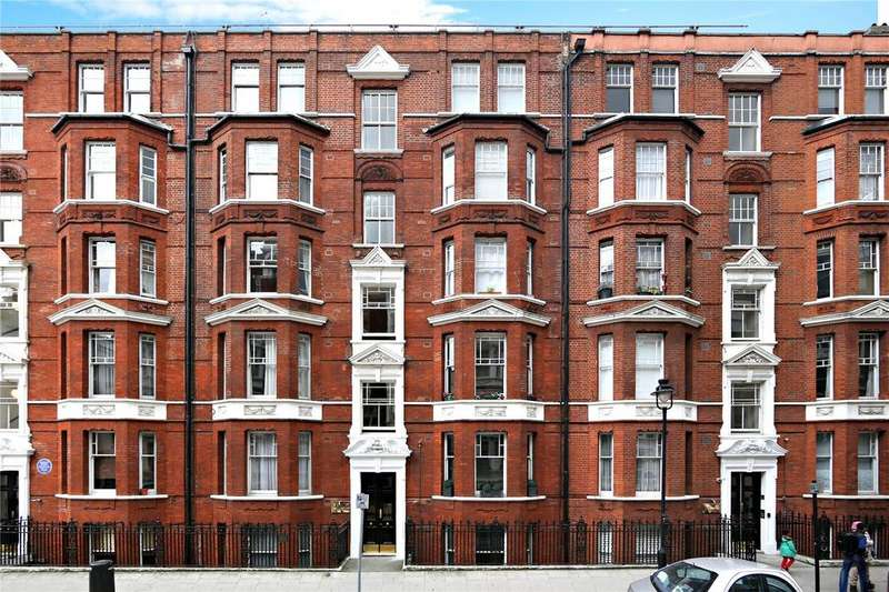 2 Bedrooms Flat for sale in Russell Chambers, Bury Place, London, WC1A