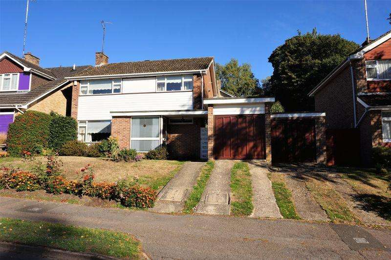 4 Bedrooms Detached House for sale in Wash Common Newbury
