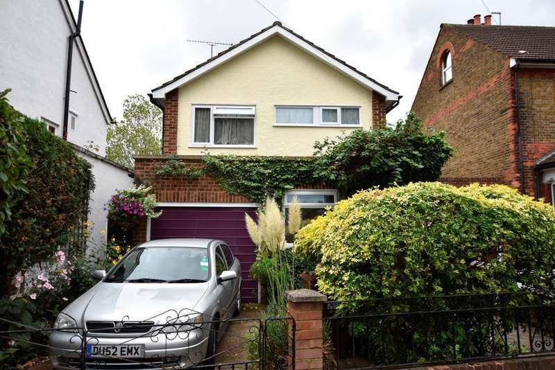 3 Bedrooms House for sale in Hanworth Road, Hanworth