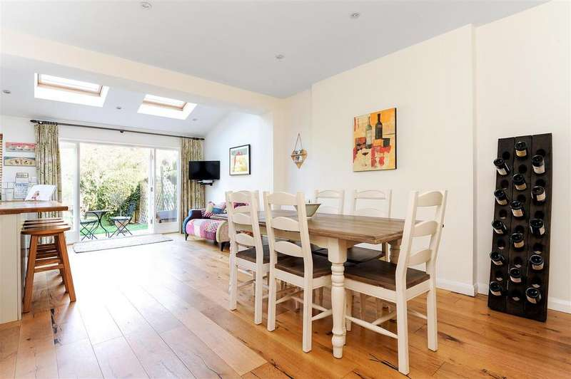 4 Bedrooms House for sale in Firstway, Raynes Park, SW20