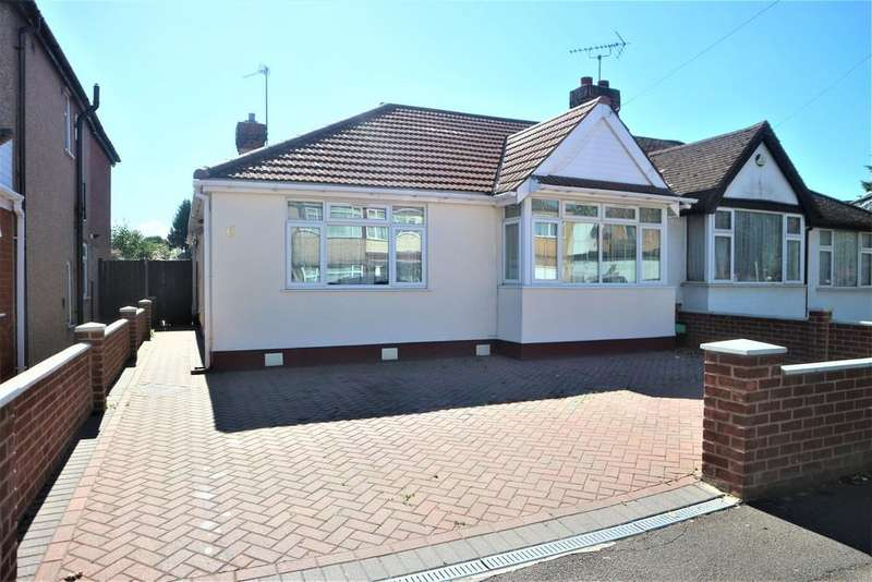 5 Bedrooms Semi Detached Bungalow for sale in Leamington Place, Hayes, UB4