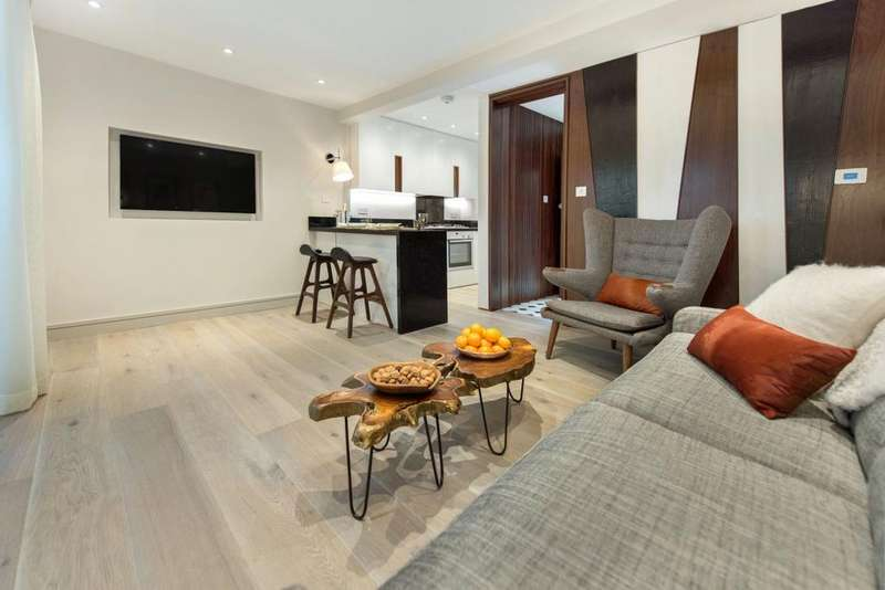 3 Bedrooms Mews House for sale in Abberley Mews, London, London SW4