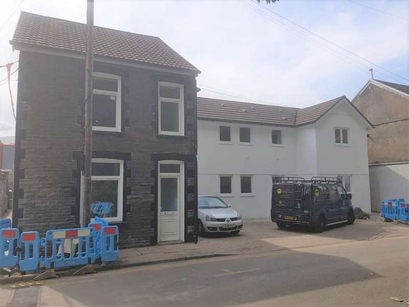 8 Bedrooms House for sale in YNYSANGHARAD ROAD, 6 Apartments ,