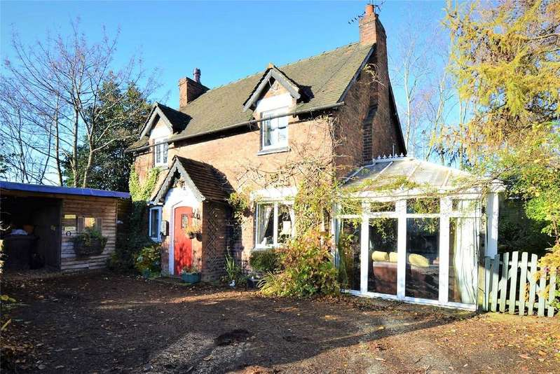 3 Bedrooms Detached House for sale in Manchester Road, CARRINGTON, Manchester, M31