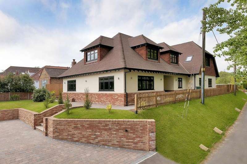 5 Bedrooms Detached House for sale in London Road, Addington, West Malling