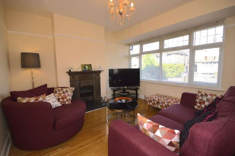 3 Bedrooms Semi Detached House for sale in Hillingdon Road, Watford, WD25