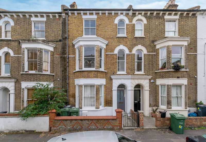 2 Bedrooms Flat for sale in Chantrey Road, Brixton, SW9